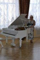 Мадам Кураж - проститутка для девушек от 1500 руб. в час